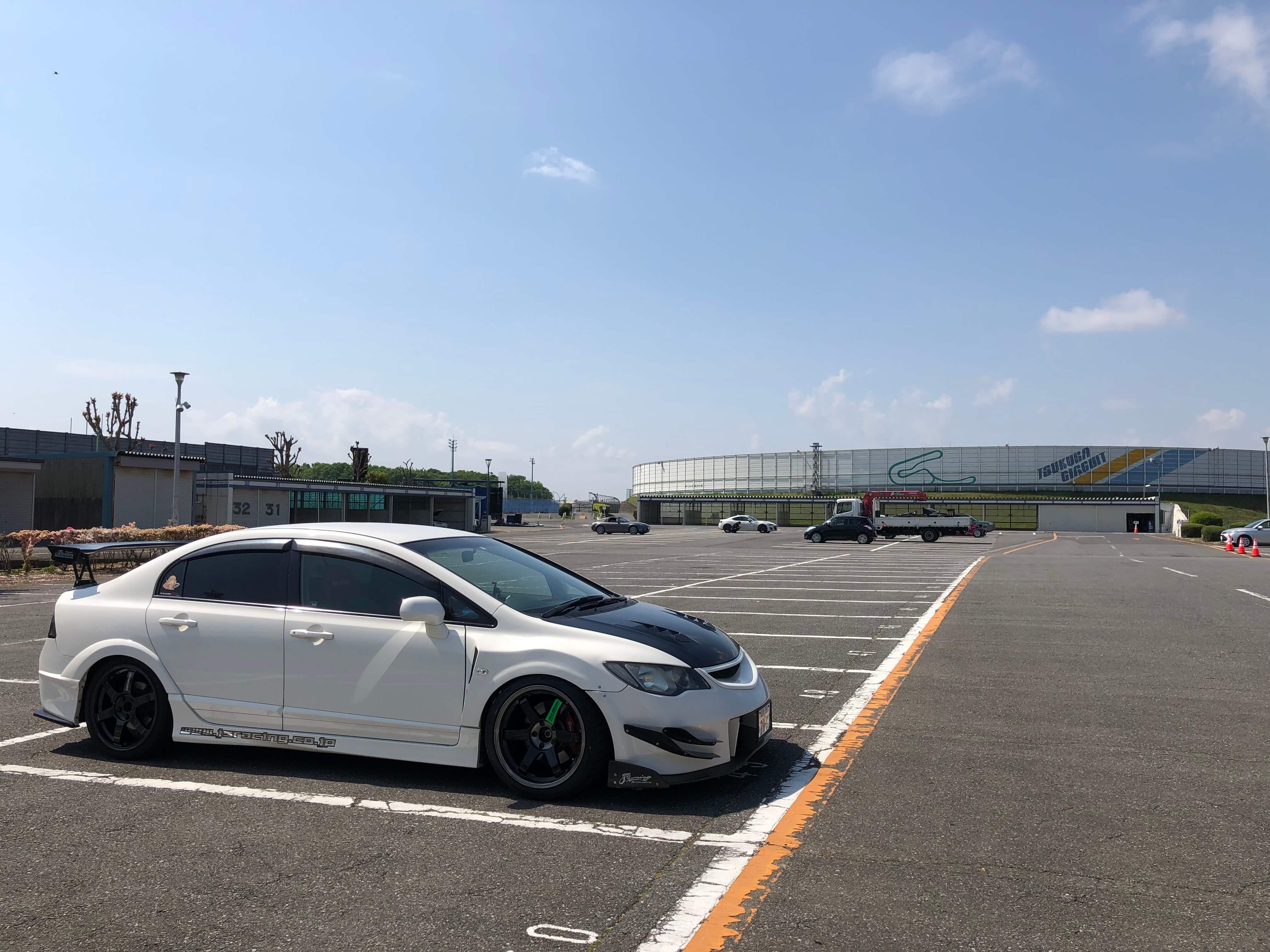 筑波サーキット講習会場 駐車場