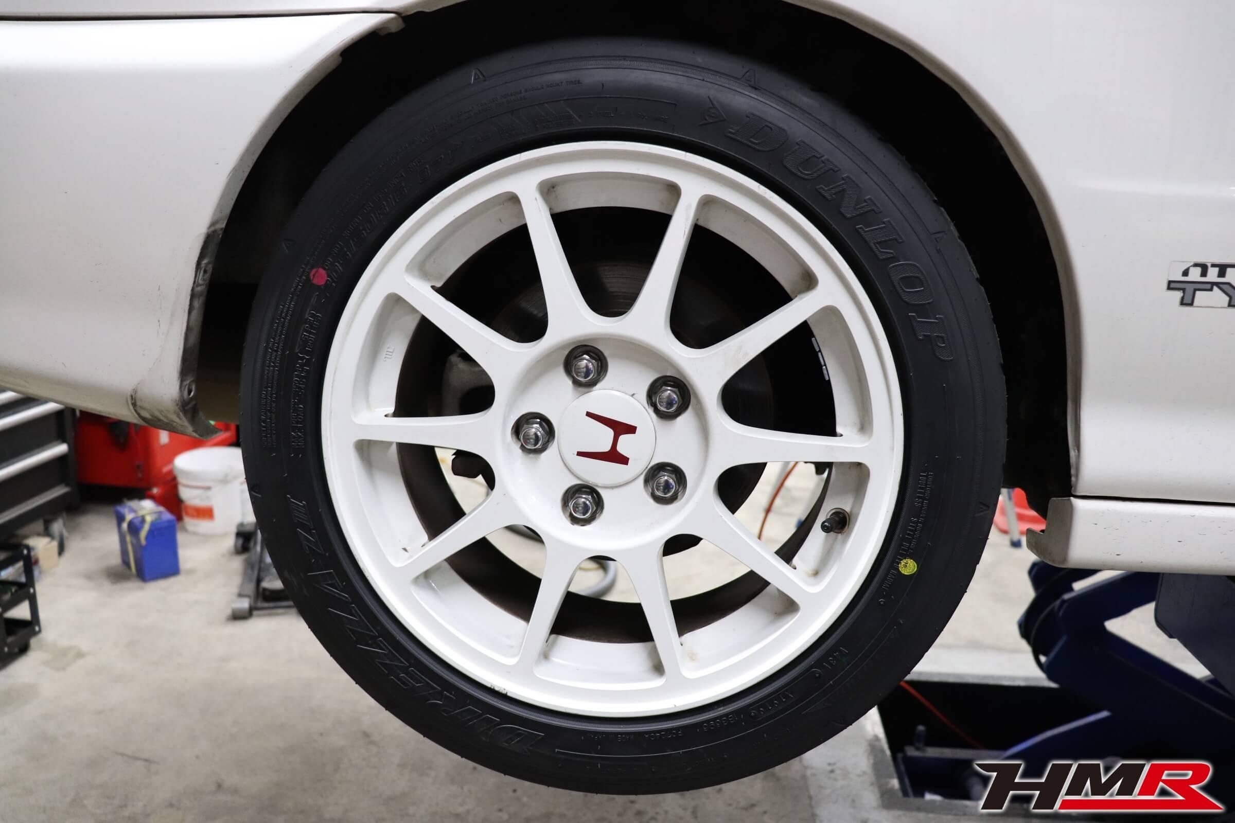 インテグラタイプR(DC2)タイヤ交換