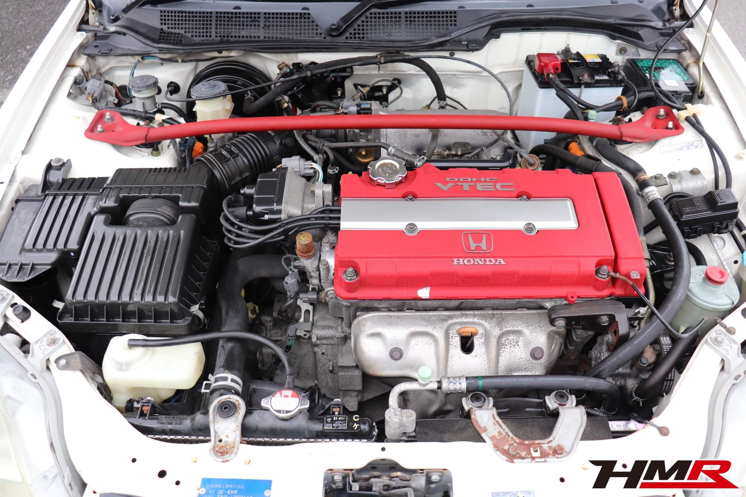 シビックタイプR・X(EK9)エンジンルーム