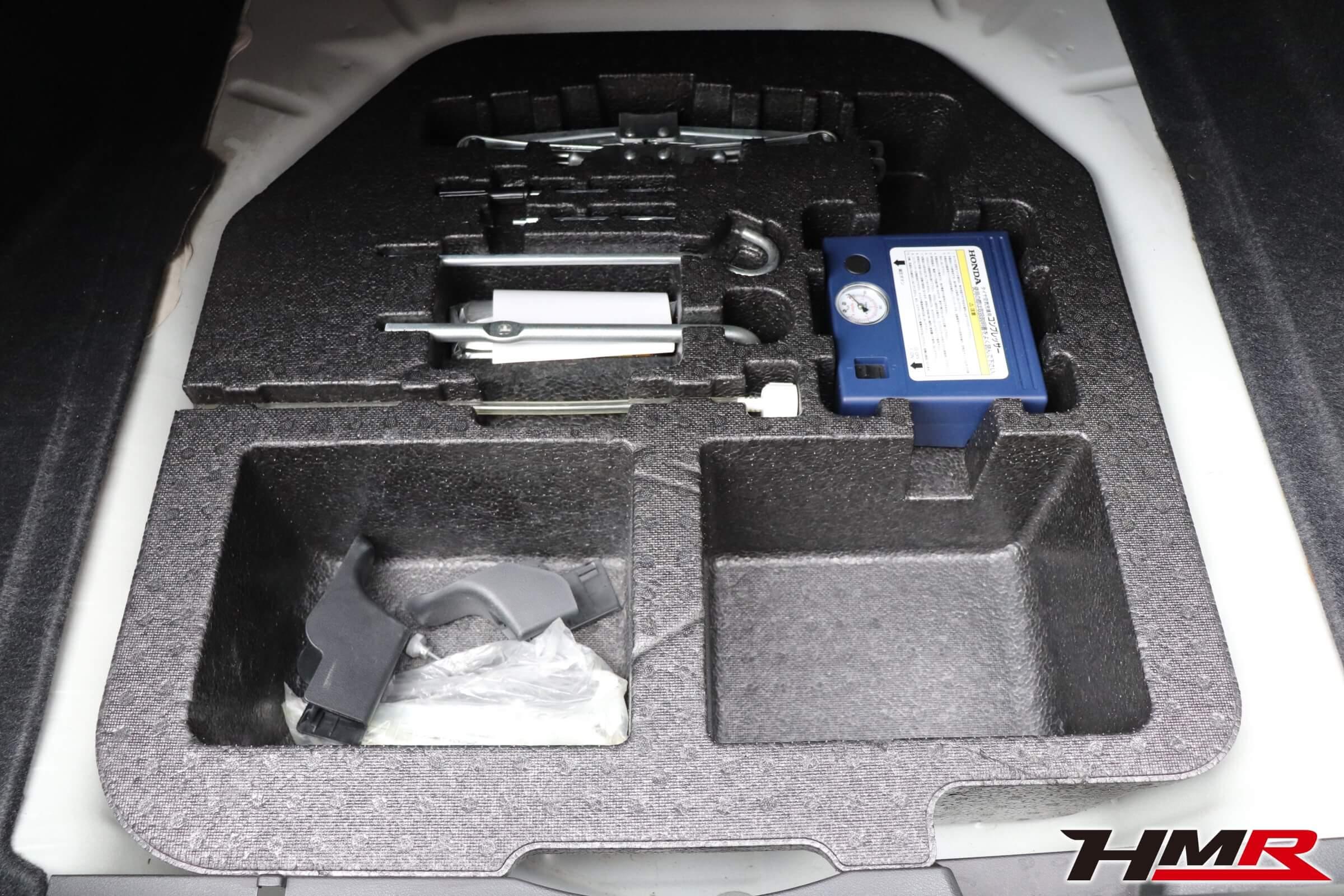 シビックタイプR(FD2)パンク修理キット