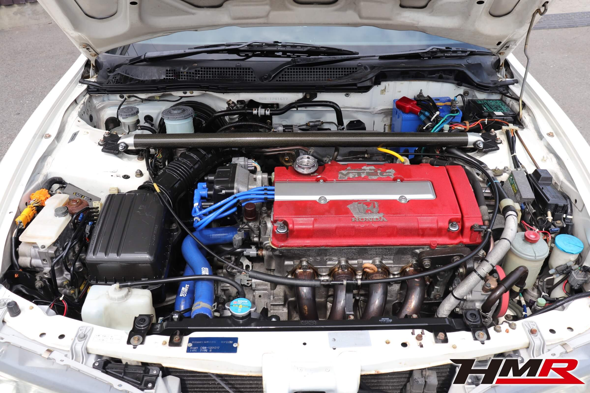 インテグラタイプR(DB8)エンジンルーム