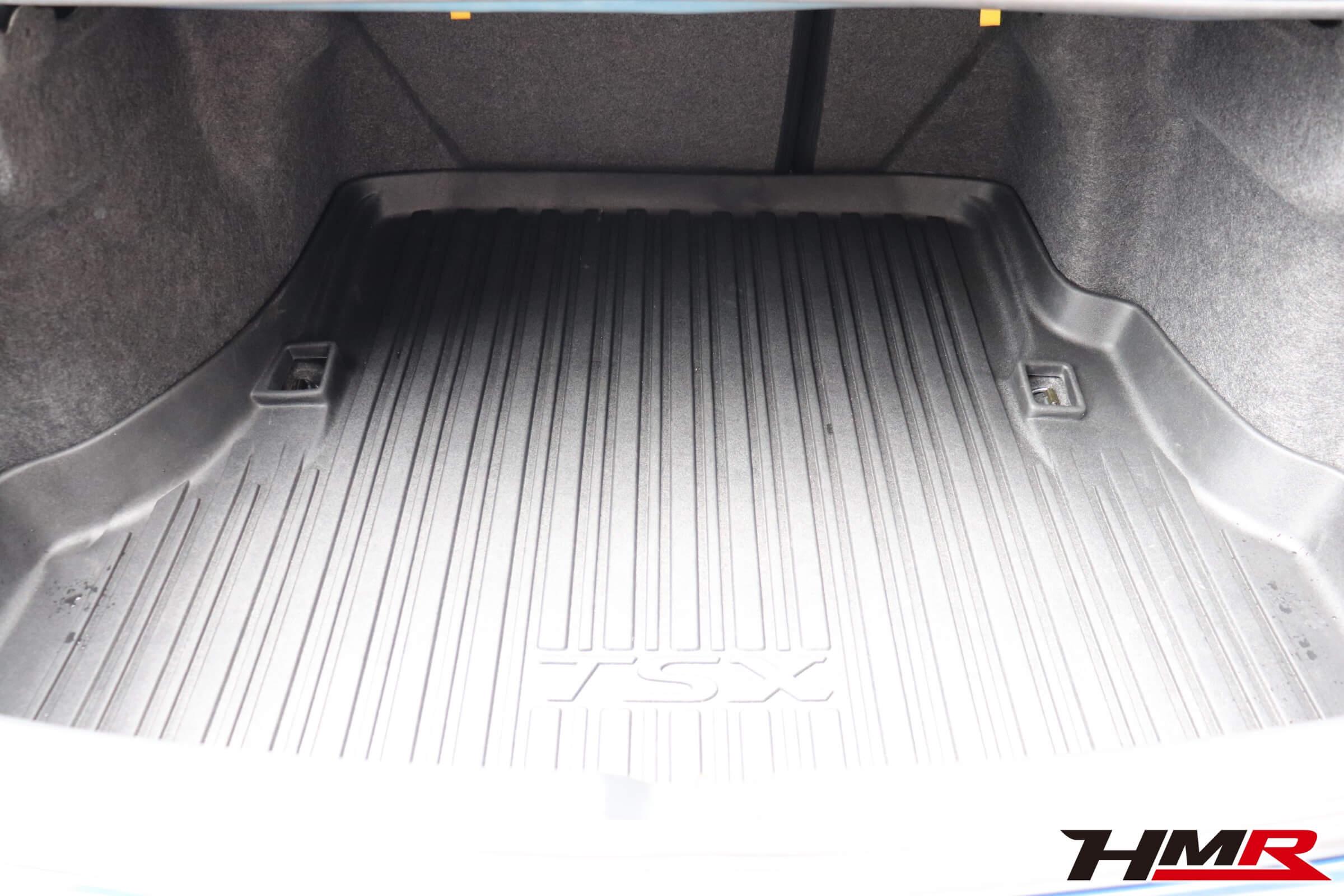 アコードユーロR(CL7)トランク